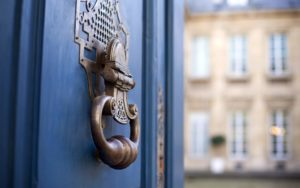 Header-Fancy-Door-Knocker